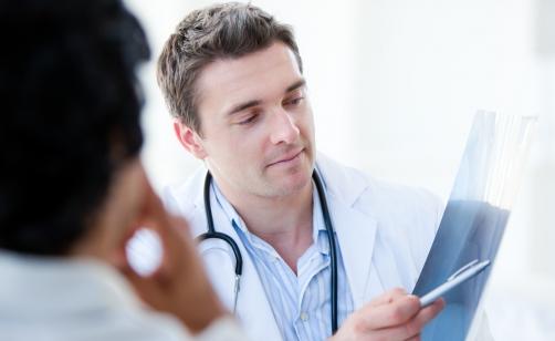 Un esame del sangue e una tac spirale per la diagnosi precoce del carcinoma polmonare