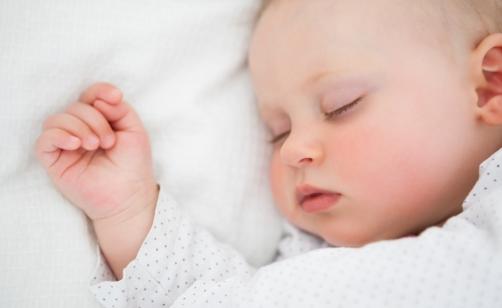 Un microchip per i bambini nati nel 2014: una notizia falsa che fa riflettere