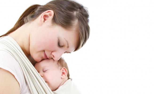 Marsupio-terapia: quando l'abbraccio della mamma è terapeutico
