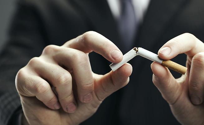 Smettere di fumare fa bene anche alla mente