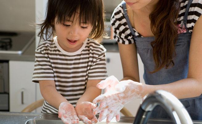 Bambini e allergie: una casa troppo pulita non aiuta a rinforzare il sistema immunitario