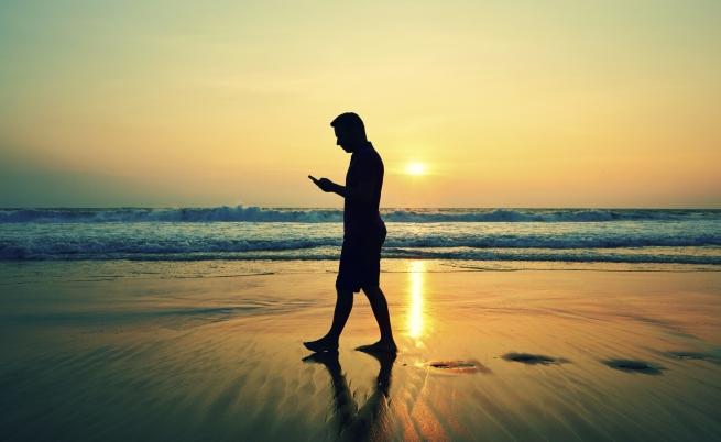 Smartphone-dipendenti anche in vacanza? Tutta colpa della nomofobia