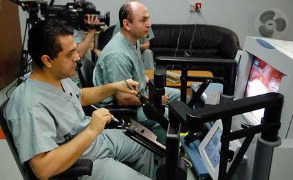 Dr. Anvari: il chirurgo che opera a 400 km di distanza