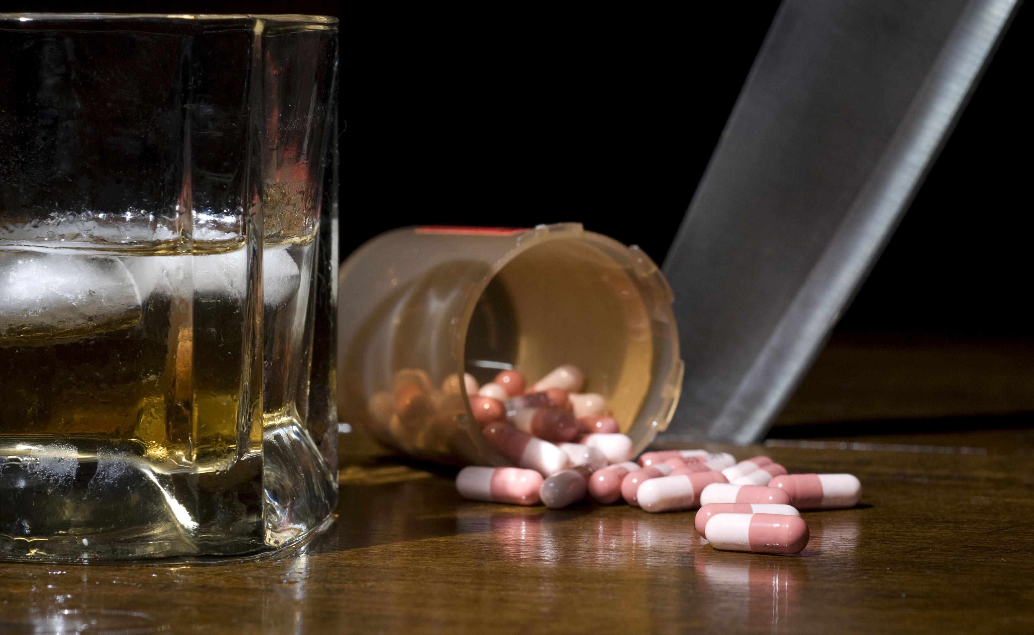 Antibiotici e alcol: ecco perché evitare di assumerli insieme
