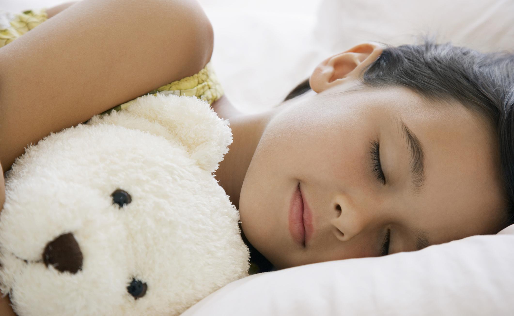 I tablet di sera causano insonnia nei bambini
