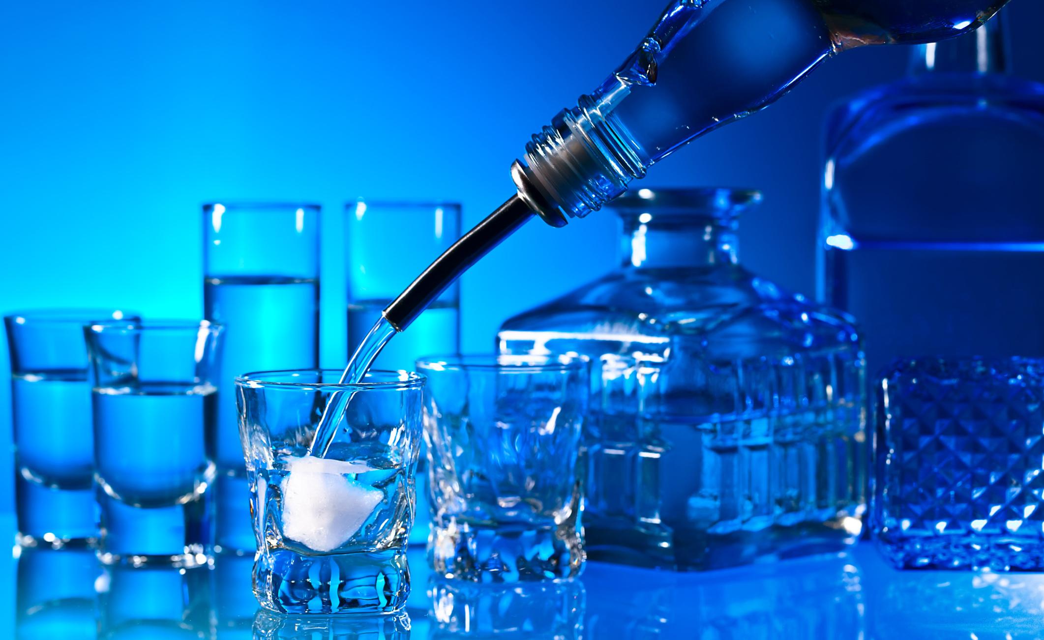 I rischi dell'alcolismo, con un occhio alla storia
