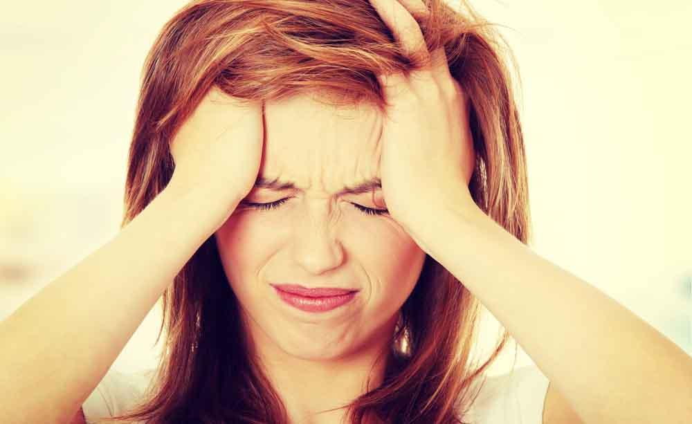 """Le soluzioni """"fai da te"""" contro il mal di testa"""