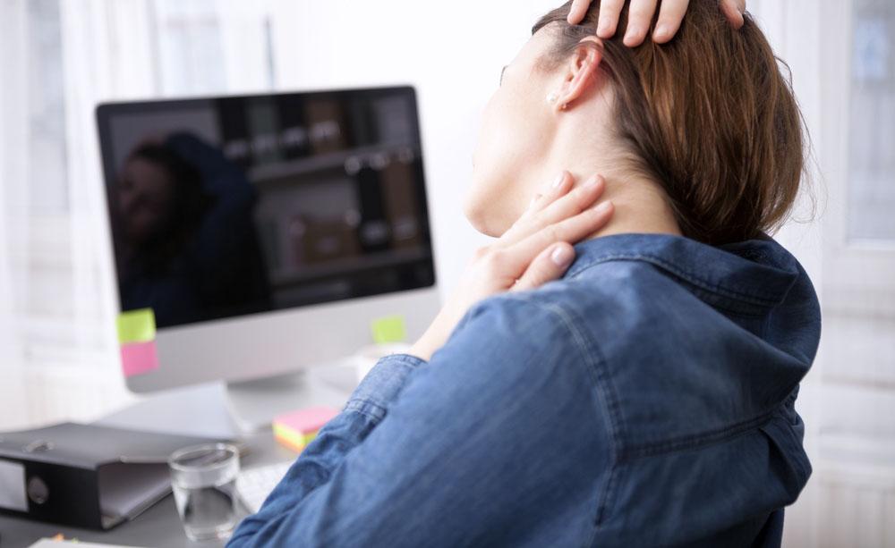 Male al collo? Ecco le cause più comuni