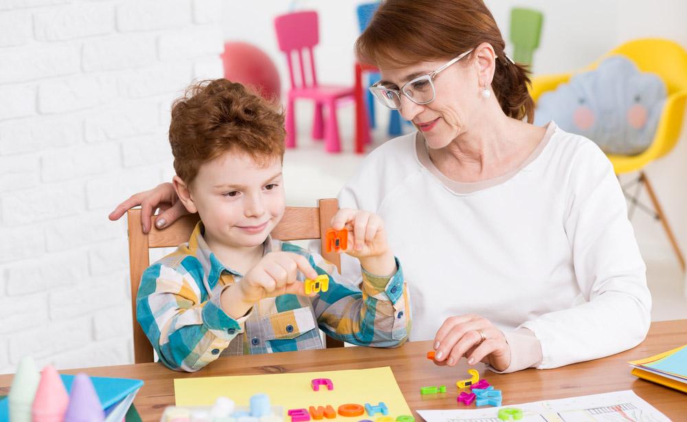 """Gli interventi educativi """"Evidence-based"""" per il Disturbo dello Spettro Autistico"""