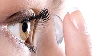 lenti a contatto: i rischi di un cattivo uso