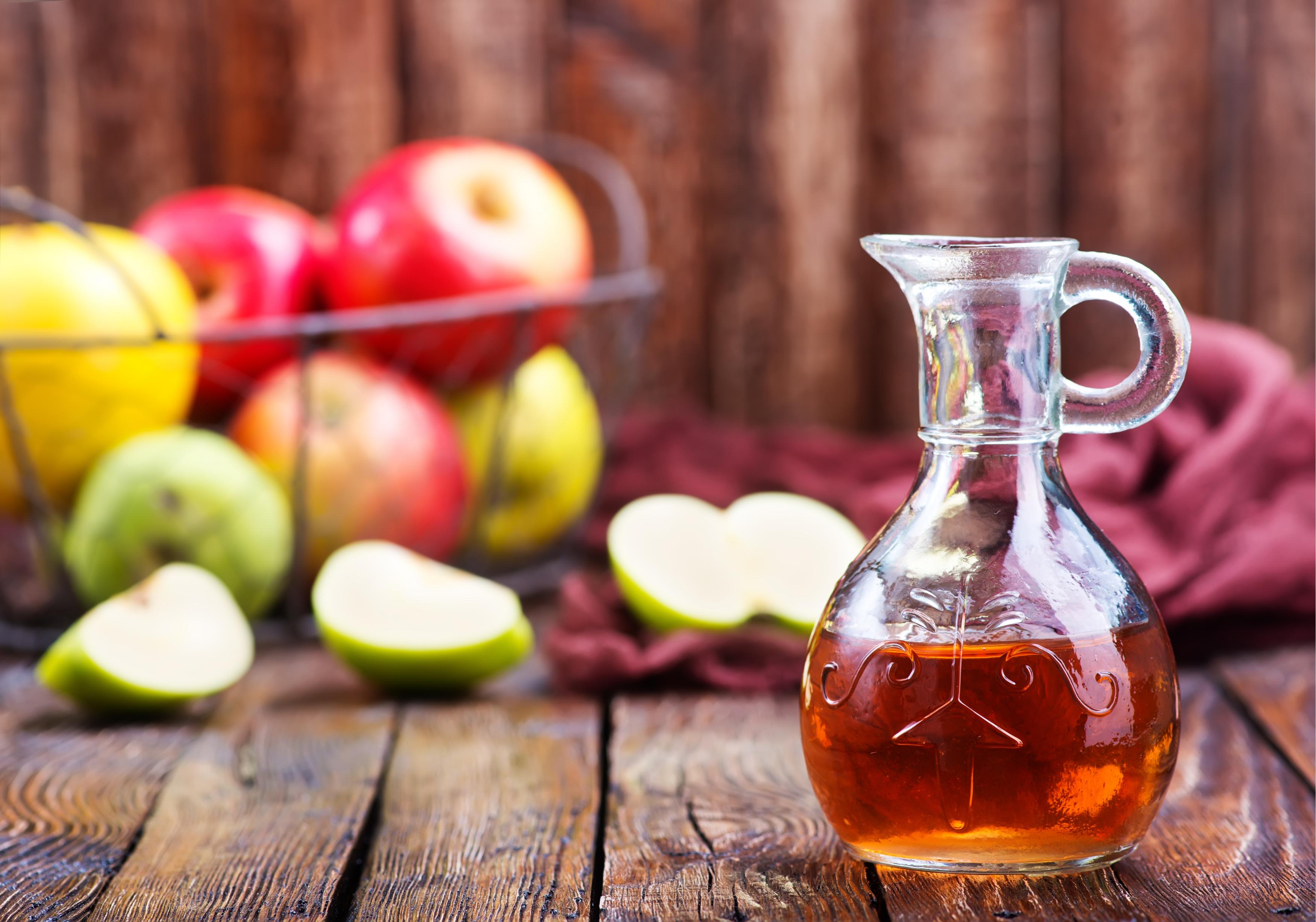 Aceto di mele: cosa dicono gli esperti sulla sua efficacia?