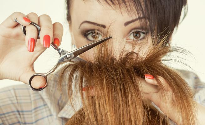 Come tagliare i capelli per togliere le doppie punte