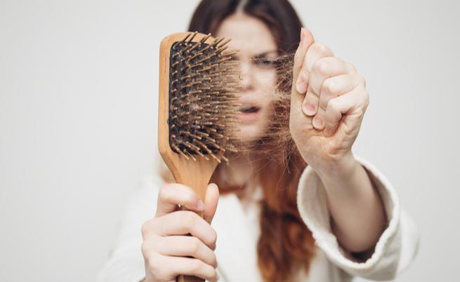 Caduta dei capelli dopo l estate  Renderli più forti è possibile eac6e3aba820