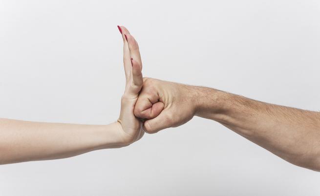 Violenze sulle donne, traumi fisici e non solo: la parola allo psicologo