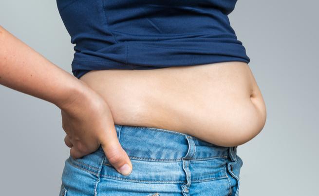 I consigli per smaltire le abbuffate: digiuno o dieta detox?