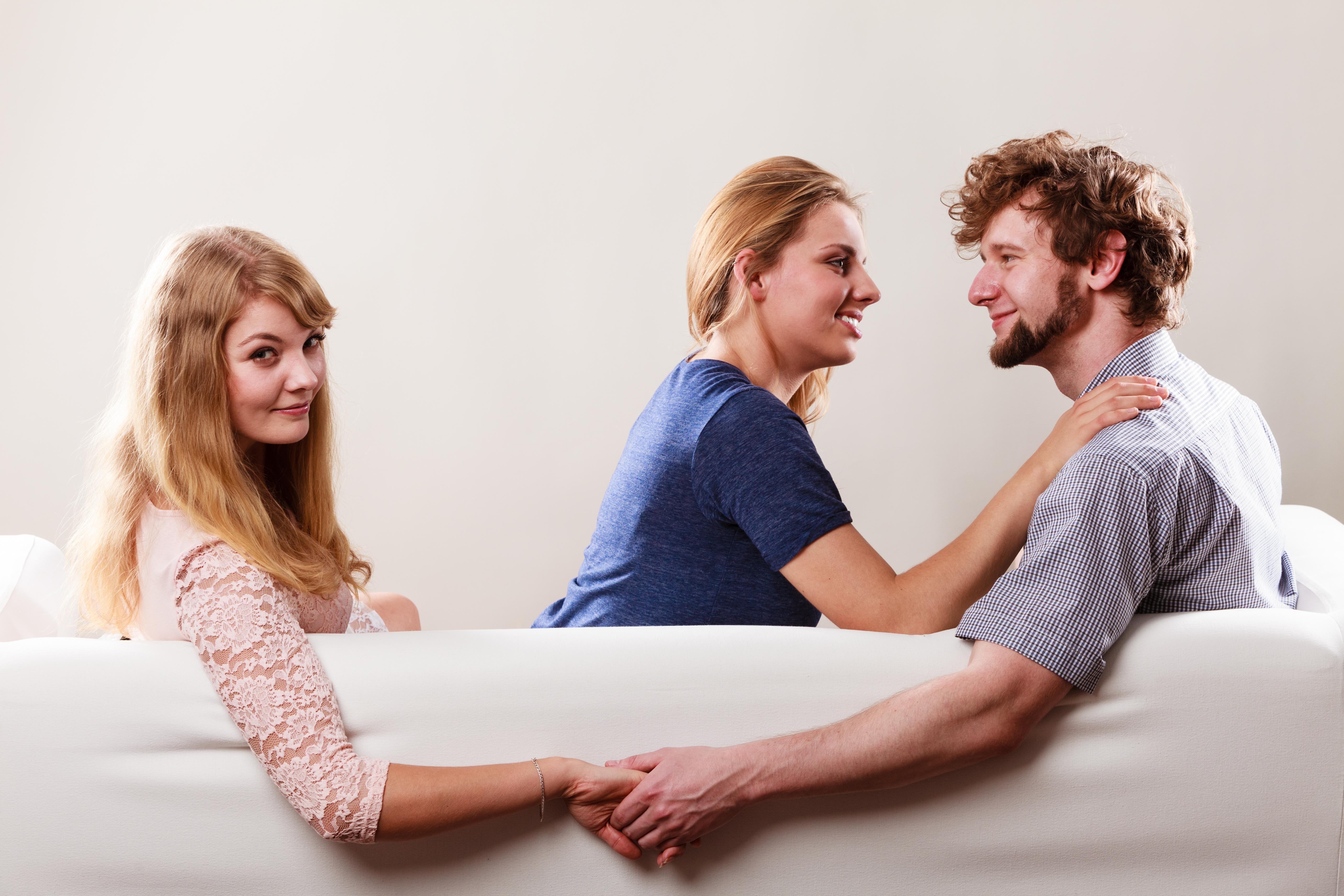 Perché un uomo sposato tradisce la propria moglie?