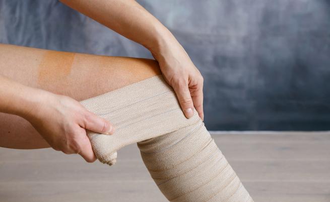 Ulcera alla gamba? Ecco come medicarla