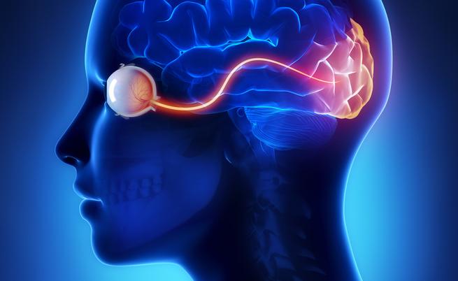 Mal di testa e vista offuscata: quando la colpa è della cornea