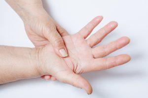 Le malattie autoimmuni nelle donne: perché hanno un'incidenza maggiore